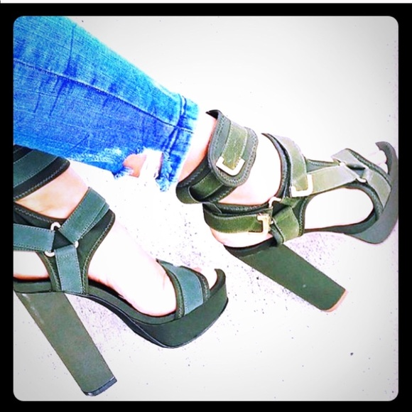 0713112e1a8 Liliana Glamrock Olive Green Heels